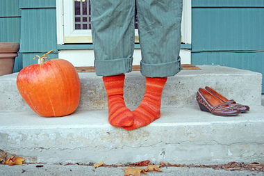 Pumpkin_shoes_socks