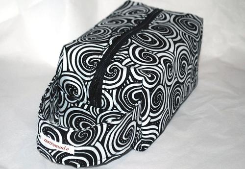 black swirl boxbag